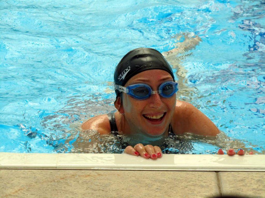יפעת בנדיקט מורה לשחייה